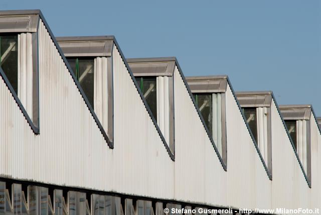 Consumomeno costruire futuro rispettando l 39 ambiente for Piani tetto shed